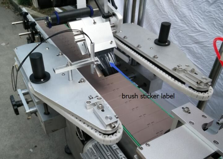 Автоматична машина за етикетиране на стикер с кръгла бутилка за мотор с бутилки за бира